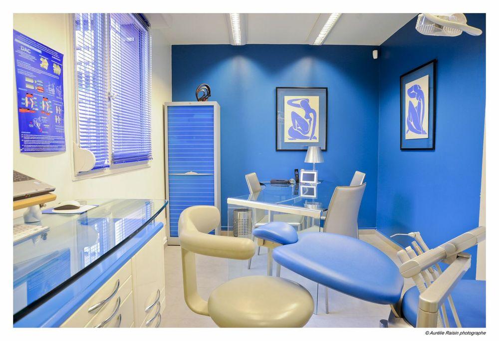 salle de soin privée du Dr Jean-Jacques Aknin